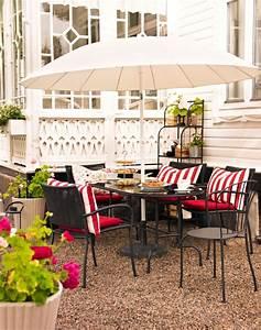 Balkon Tisch Stühle : kleiner balkon sch ne gartenm bel ideen planungswelten ~ Sanjose-hotels-ca.com Haus und Dekorationen