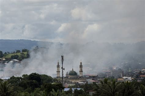 ce air siege marawi siege it 39 s like 39 looking at aleppo 39