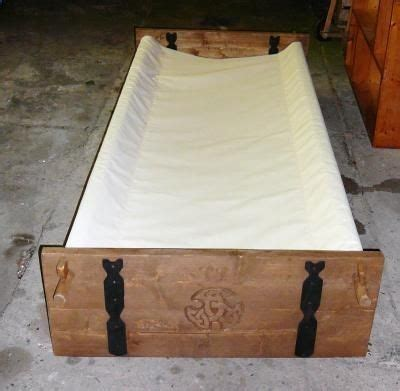 portable  wiki bed   kids viking bed