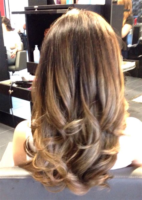 honey highlights on light brown hair honey brown hair with caramel highlights hairstyle hits
