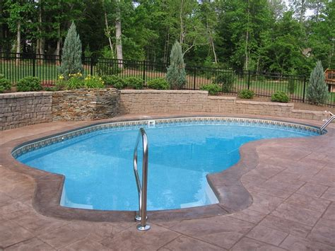 Swimming Pool : Small Swimming Pools For The Limited Space Backyard