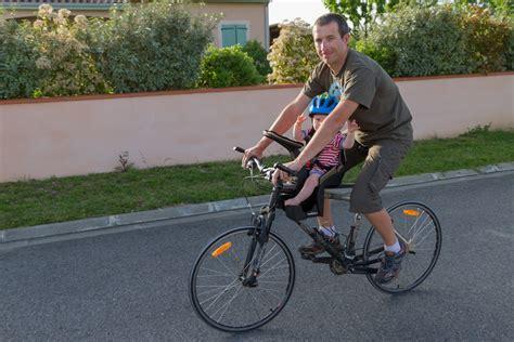 siege bebe velo suspendu test du porte bébé vélo weeride k luxe matos vélo