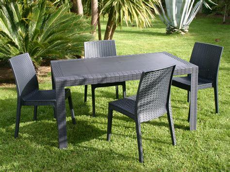 chaise en plastique élégant table et chaise de jardin pas cher en plastique