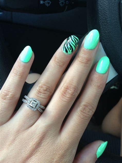 outstanding oval shape nail designs