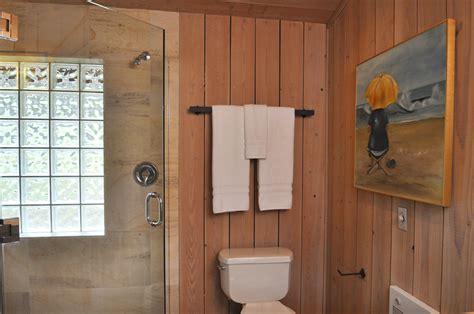 panelled bathroom ideas wood paneled bathroom ideas quecasita