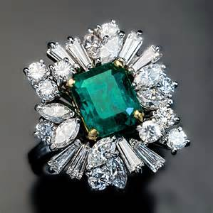 emerald vintage engagement rings vintage asymmetrical design emerald engagement ring antique jewelry vintage rings