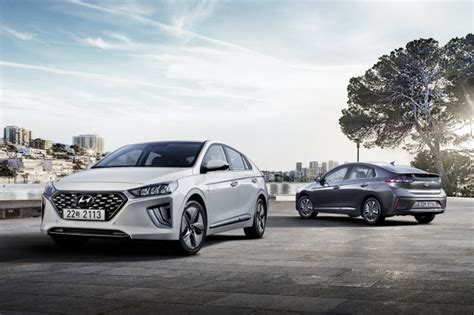 hyundai ioniq    refreshed interior