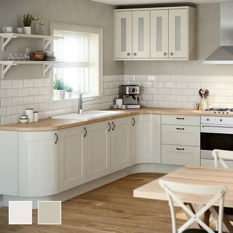 b q kitchen flooring fitted kitchens traditional contemporary kitchens 1408