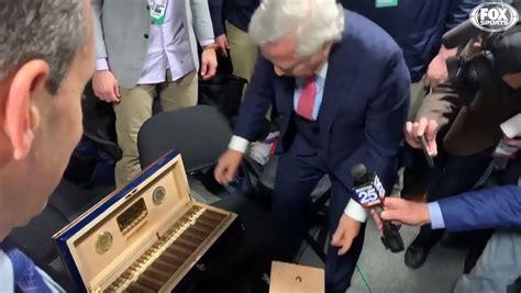 robert kraft gifts patriots   year  cigars