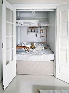 Brilliant beds for small spaces 3 children bunk beds in for Brilliant small space beds