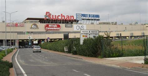 auchan porte catania rapine a mano armata nei distributori e spaccate di negozi