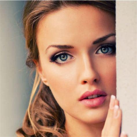 Revista Factorrh ¿por Qué Nos Gustan Las Caras Bonitas