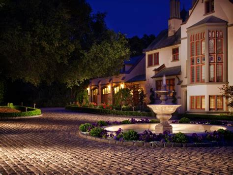 landscape lighting design guide ways to light your outdoor entryway hgtv