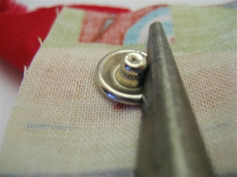attach  metal snap prong button  sandi id