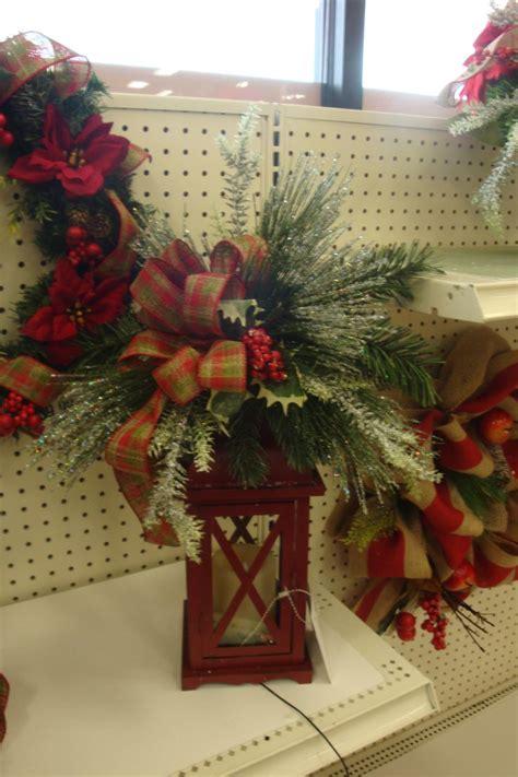 christmas winter floral arrangements images
