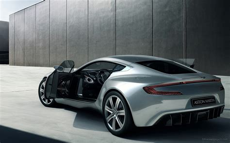Aston Matin Car : 2010 Aston Martin One 77 Wallpaper