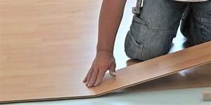 Fußboden Fliesen Verlegen : fussboden im eigenheim teppich dielen oder fliesen verlegen ~ Frokenaadalensverden.com Haus und Dekorationen