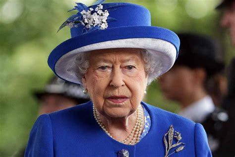 Le 29 avril 1980, la reine elisabeth ii d'angleterre effectue sa première visite officielle en suisse, avec son époux le prince philippe d'edimbourg. Queen Elizabeth: Bittere Tränen wegen Margret Thatcher ...