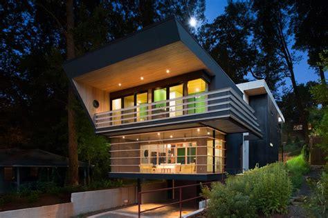 angular futuristic house  georgia dwell