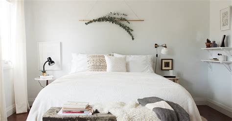 bed decor stylish    wall ideas huffpost