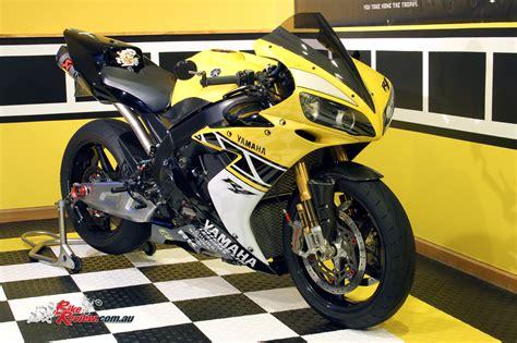 pivot mirror custom kenny rep custom yzf r1 bike review
