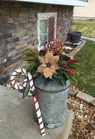 outdoor christmas planter decorating ideas - Outdoor Christmas Planter Decorating Ideas