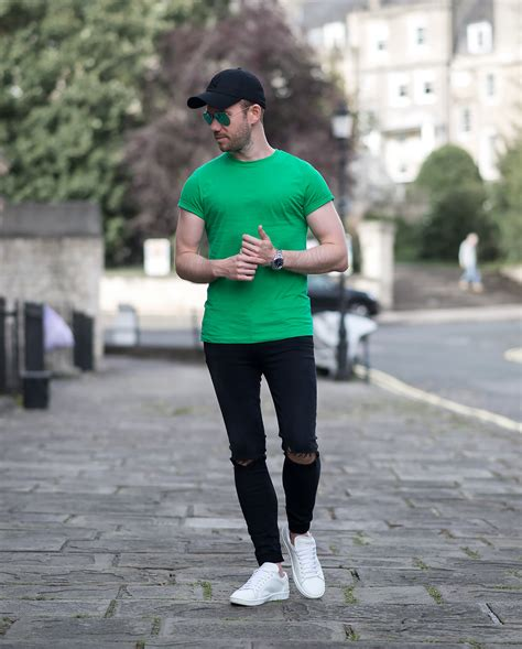Pop Of Colour With A Striking Green T Shirt Outfit | Your Average Guy