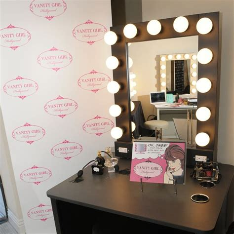 Broadway Lighted Vanity Makeup Desk Uk by Broadway Lighted Vanity Makeup Desk By Vanity