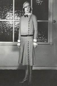 photo de mode des annees 20 tailleur de jeanne lanvin With robe 1920 femme