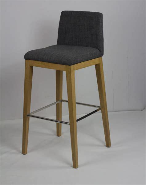 chaise de bar cuisine mobilier design scandinave minimaliste ikea bois tabouret