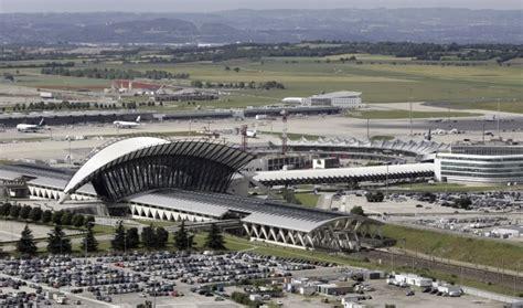 chambre commerce lyon les probables acheteurs de l aéroport de lyon big