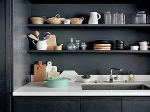 Etagere De Rangement Cuisine : poser des etageres sur la credence en rangement cuisine ~ Melissatoandfro.com Idées de Décoration