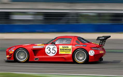 Blast From The Past Mercedes Benz Sls Amg Gt3 Wearing
