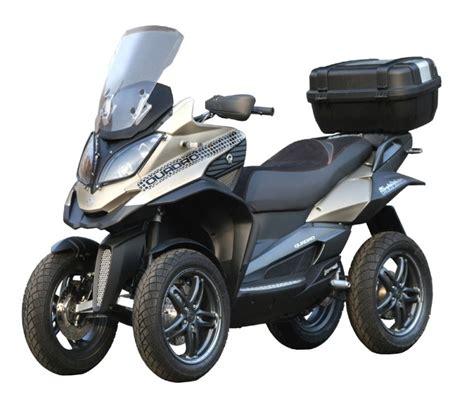 nouveaute  scooter  roues quadro parkour