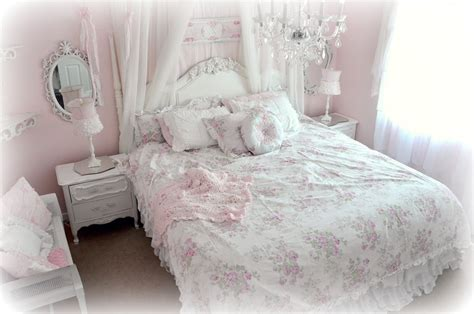 bed shabby chic not so shabby shabby chic new simply shabby chic bedding