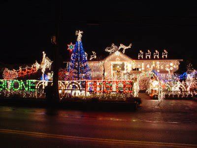 neighborhood holiday light displays inaround