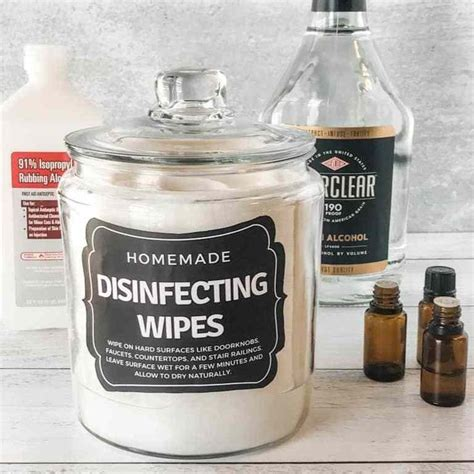 "Homemade ""Lysol"" Disinfecting Wipes 