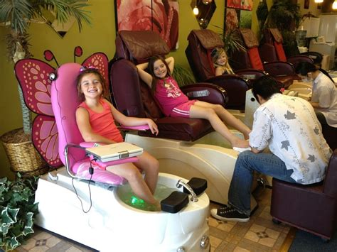 kid friendly pedicures the butterfly chair includes a dvd
