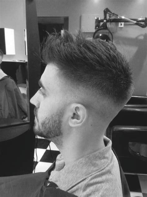 top   short haircuts  men frame  jawline