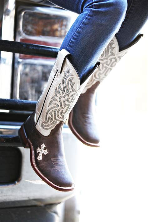 Is Boat Angel Legit by Ariat Quickdraw Women S Sandstorm Brown W Distressed
