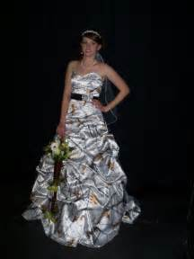 mossy oak wedding dresses camo wedding dresses in mossy oak and white orange army style white wedding dresses