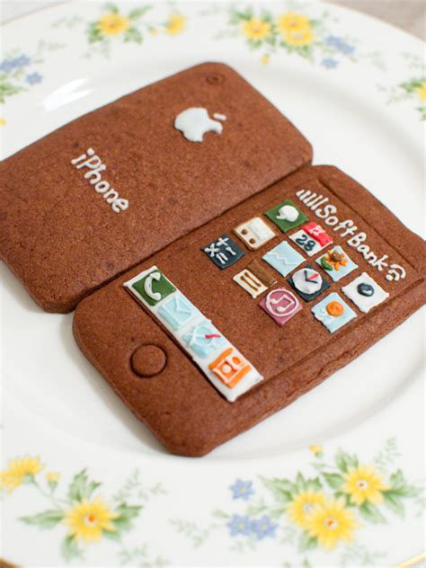 iphone cookies size designer iphone cookie a success in japan