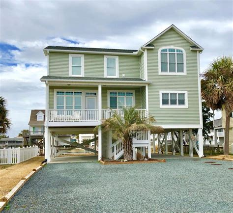 Boats For Sale In Holden Beach Nc by Boat Dock Homes For Sale In Holden Beach Real Estate In