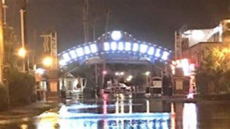 kemah boardwalk sees rising water  rain