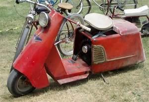 811 40 Cushman Allstate Scooter