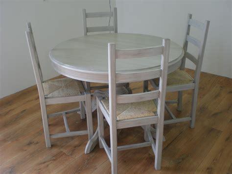 repeindre chaise en bois comment peindre une chaise en bois