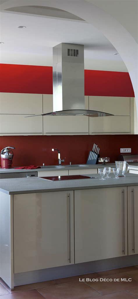 les fonds de cuisine cuisine meubles beige sur fond cuisine couleur