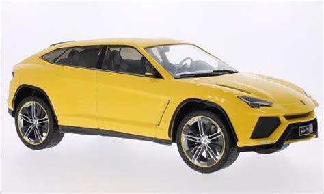 lamborghini urus kaufen lamborghini urus metallic gelb 2012 mcg modellauto 1 18