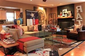 Rustic western living room decor with natural wall stone ...