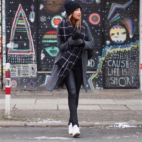 sneaker street style strut   wear  sneakers